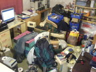 bedroom clean_this_shit_plz_kthx computer mess photo // 1632x1224 // 495.7KB